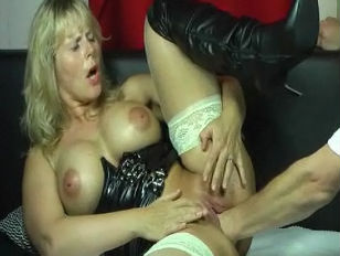 SUPER HOT MILF Fisted Like Crazy