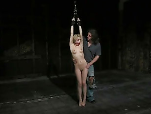Lexi Belle Fucking Dungeon