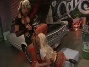 Hot 3some on the car