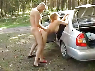 Anal fucking in the car