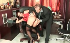 pretty secretary gets snatch pounded by her boss