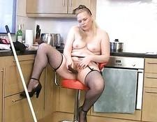 fat old Housewife Cleans and Cums
