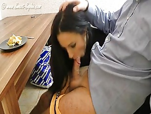 Submissive Slave forced to blow