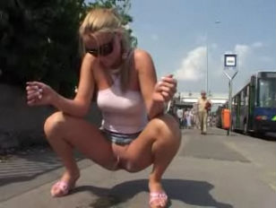 girl Kicked while Pissing