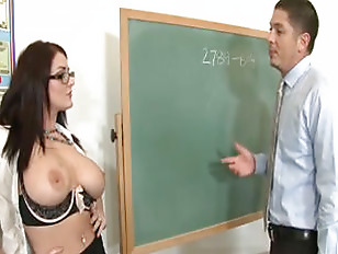 Sophie dee shows how its done