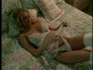 Jenna Jameson Masturbating