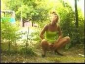 Daring Gals Piss Outdoors