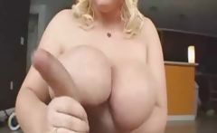 thick lady Jerking and sucking
