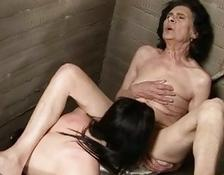 cougar brunette babe wants some young hot cunt