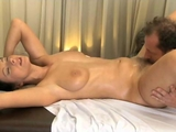 MassageRooms mature broad has her hairy pussy massaged by ReallyUseful