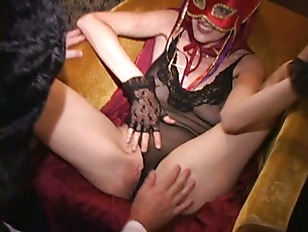 Contortionist MILF fingered with leg .