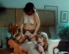 Vintage porn film with 2 hoes