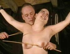Extreme oriental spanking and screaming rigid caning