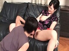 Brunette chinese Gets twat Licked And Fingered