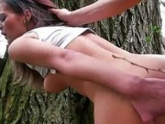 Czech lady Kelly Sun hammered for money