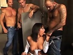 girl In The Toilets Takes It The Best She Can, Gettin' sexed By three dudes