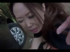 Shy chinese broad play with her Pussies at the Park