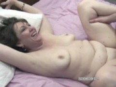 nasty MILFs Chastity and Brooke share so .