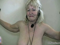 dirty old whore get horny dancing
