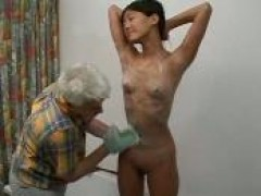 chinese broad butt pounded By An cougar dude In The Bathroom