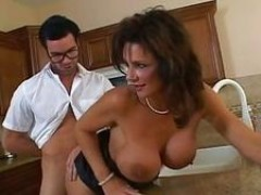 Deauxma getting screwed on her cunt at the kitchen