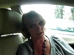 mature wifey gives good suck to guy on car