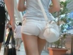 Tight White Pants Are Something That Makes The attractive Amateur Bimbo Look Really Great